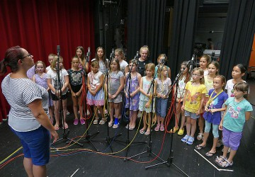 Kinderchor Rosenstadt singt für SRF Samschtig-Jass
